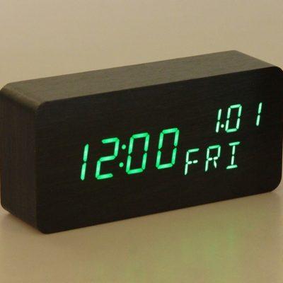 Часы настольные электронные, время, дата, день недели, зелёные цифры, 15*7см (2996894)