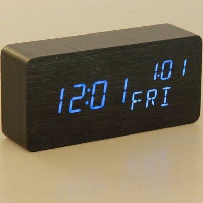 Часы настольные электронные, время, дата, день недели, синие цифры, 15*7см (2996895)